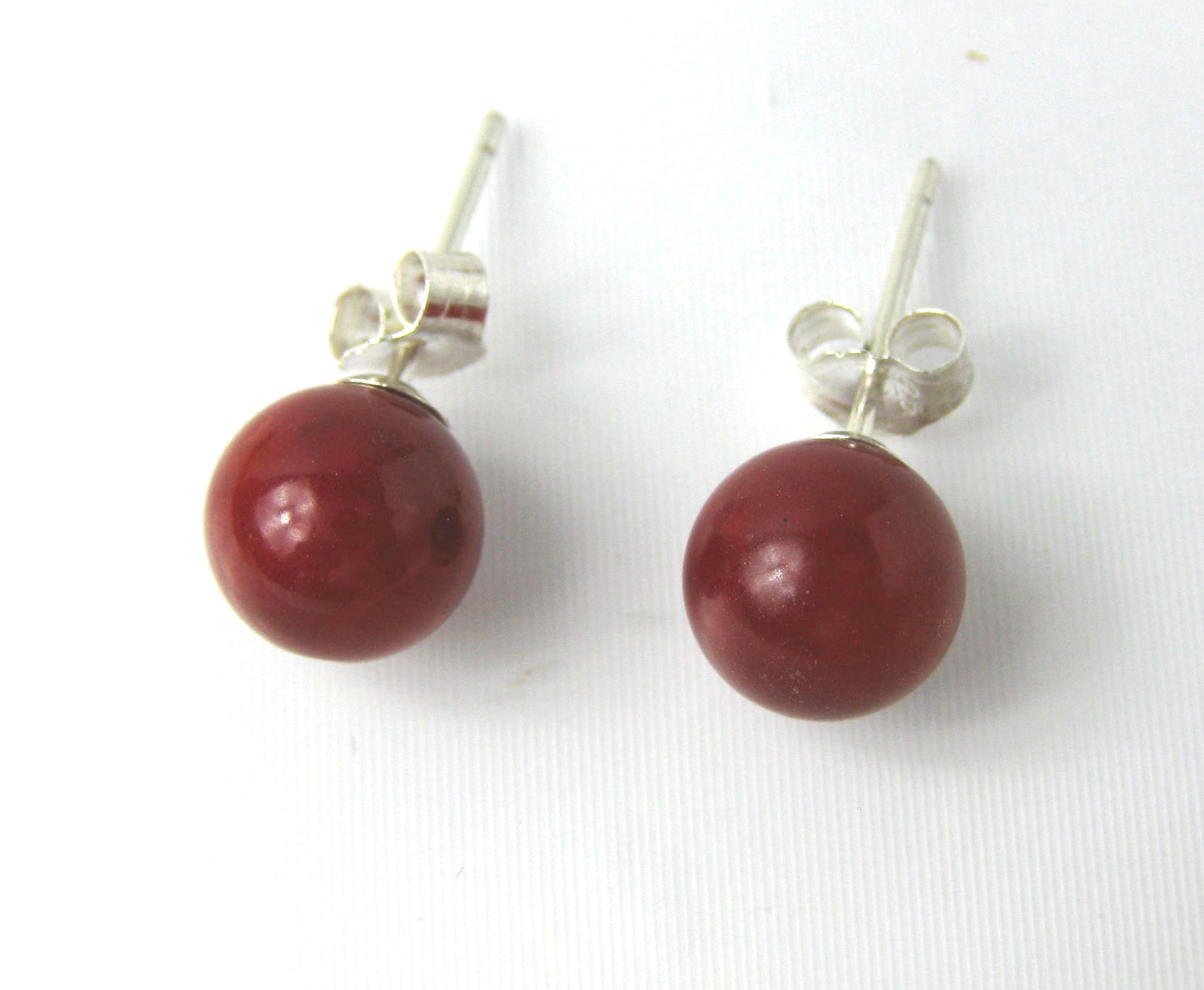 8mm Round Red Coral Stud Earrings  - er-cr1