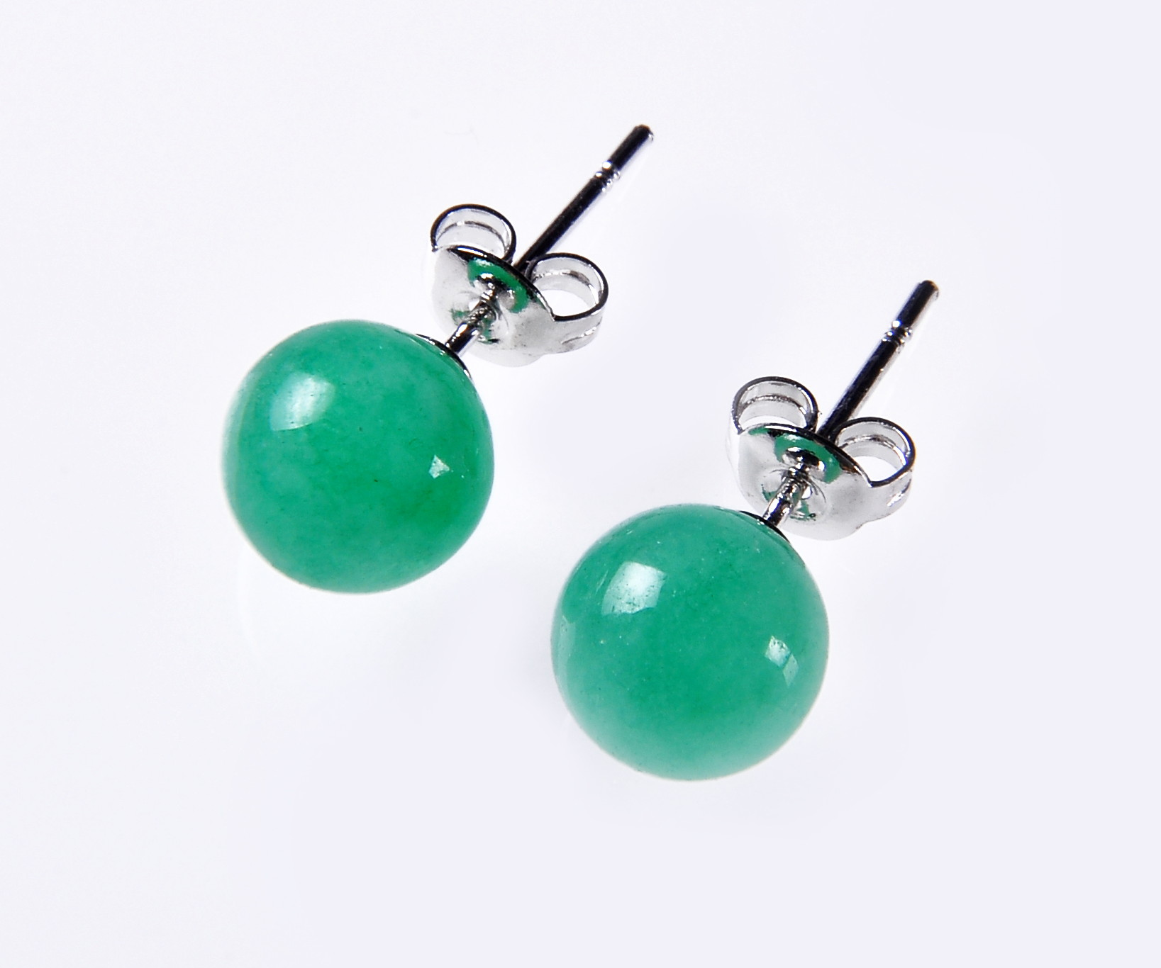 8.5 mm Green Malay Jade Stud Earrings  - er-jd3