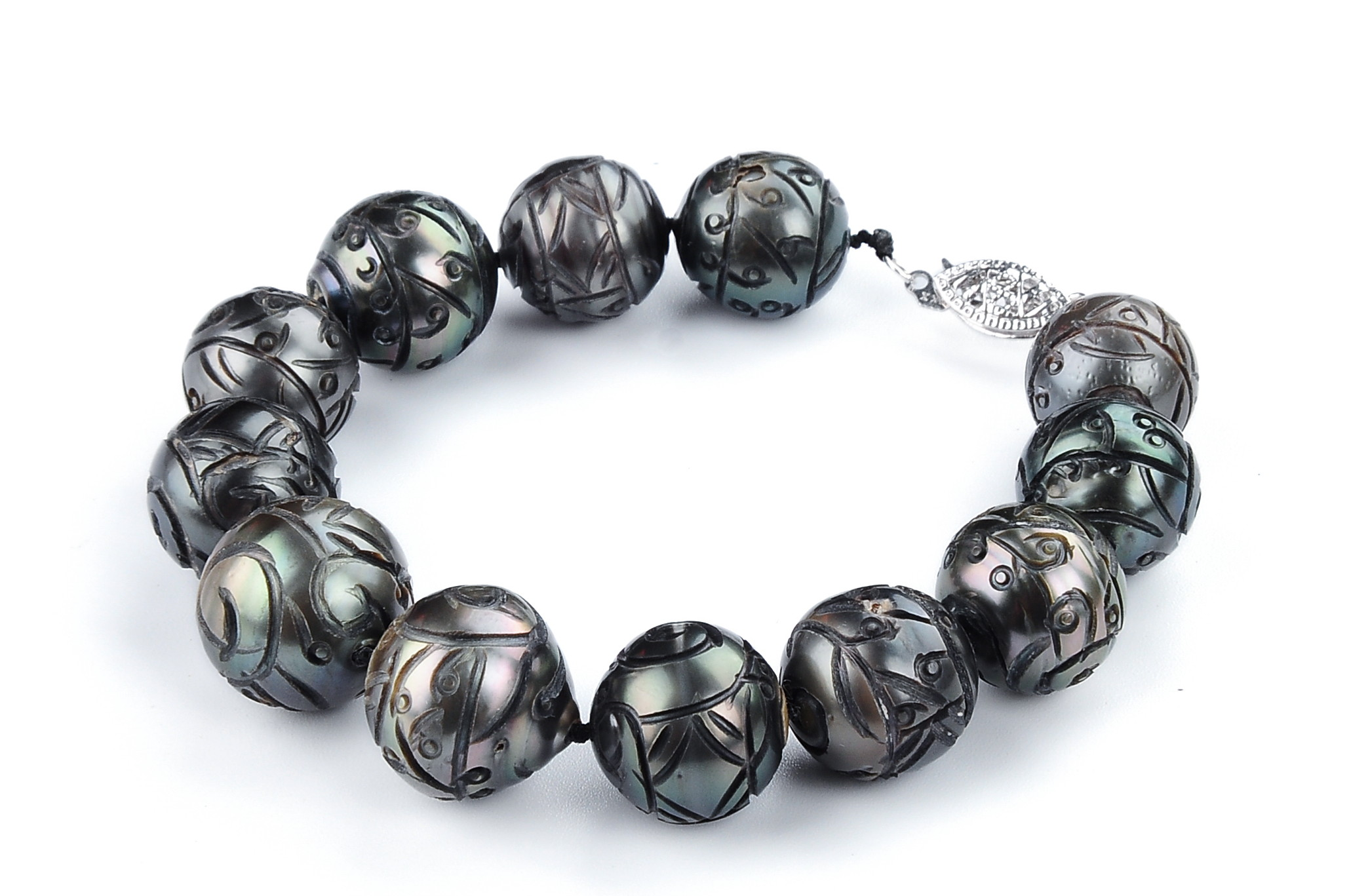 Huge 14.8 mm Hand Carved Natural Tahitian Pearl Bracelet Strand -br130