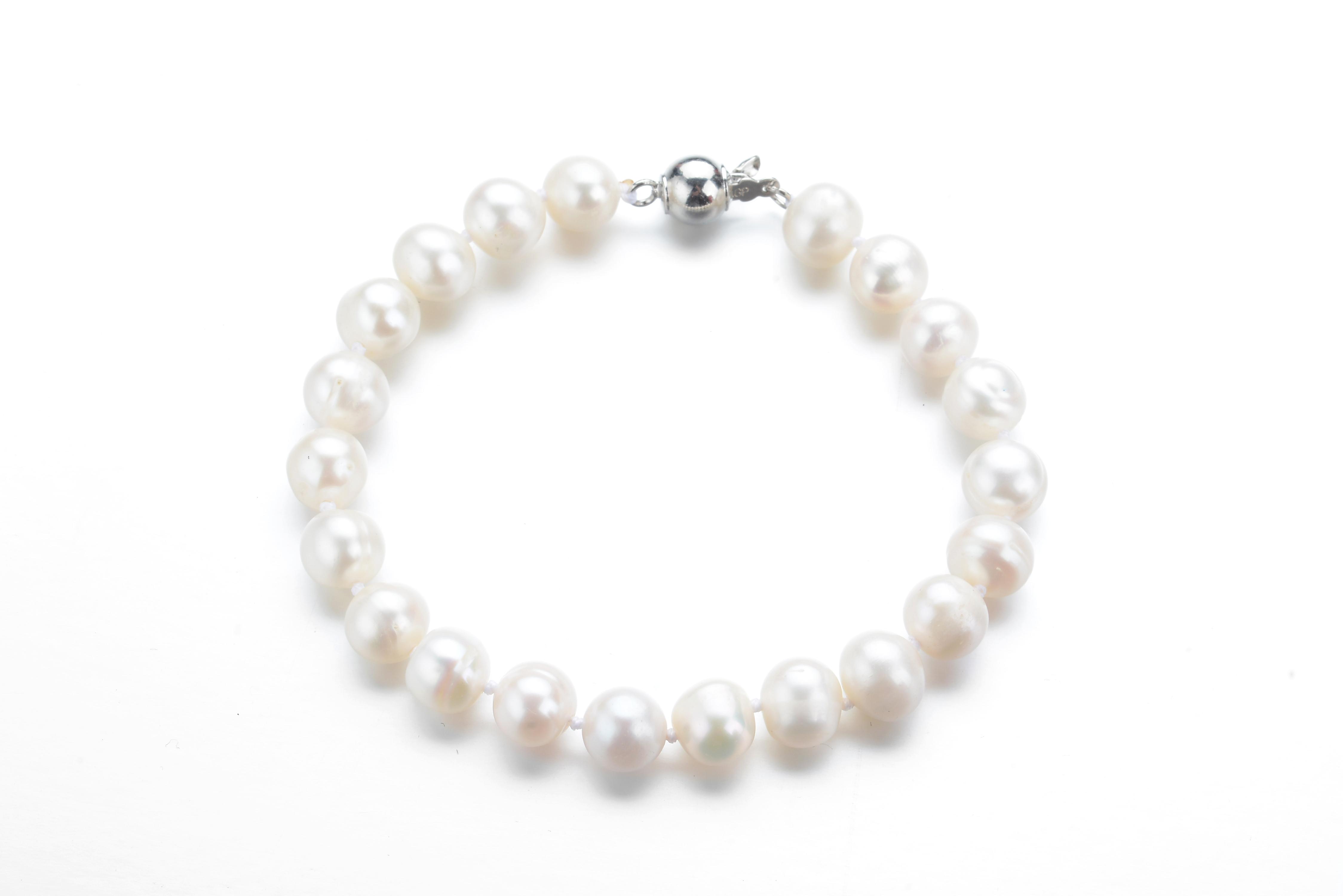8 5 Mm Freshwater White Pearl Bracelet Br25