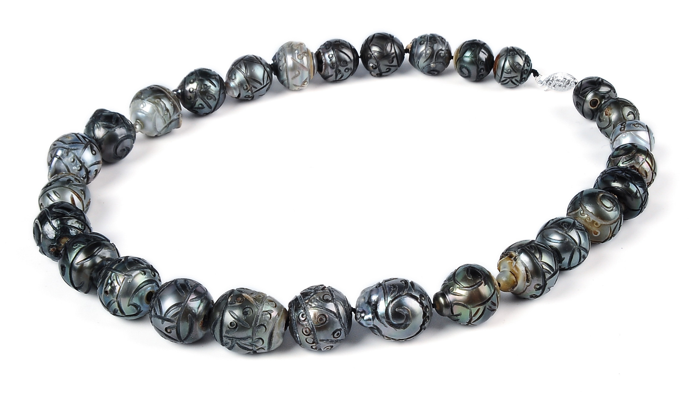 Huge 15.8 X 15.0 mm Hand Carved Natural Tahitian Pearl Necklace Strand -nk208