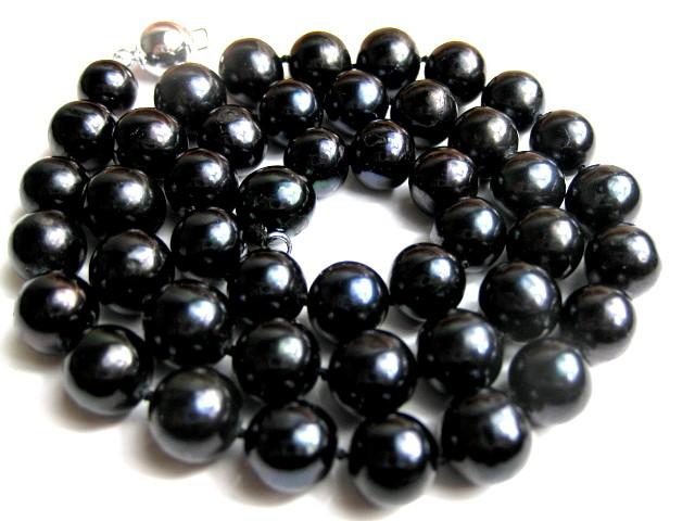 10.5 mm AAA- Lustrous Deep Black Freshwater Pearl Necklace -nk9-r1