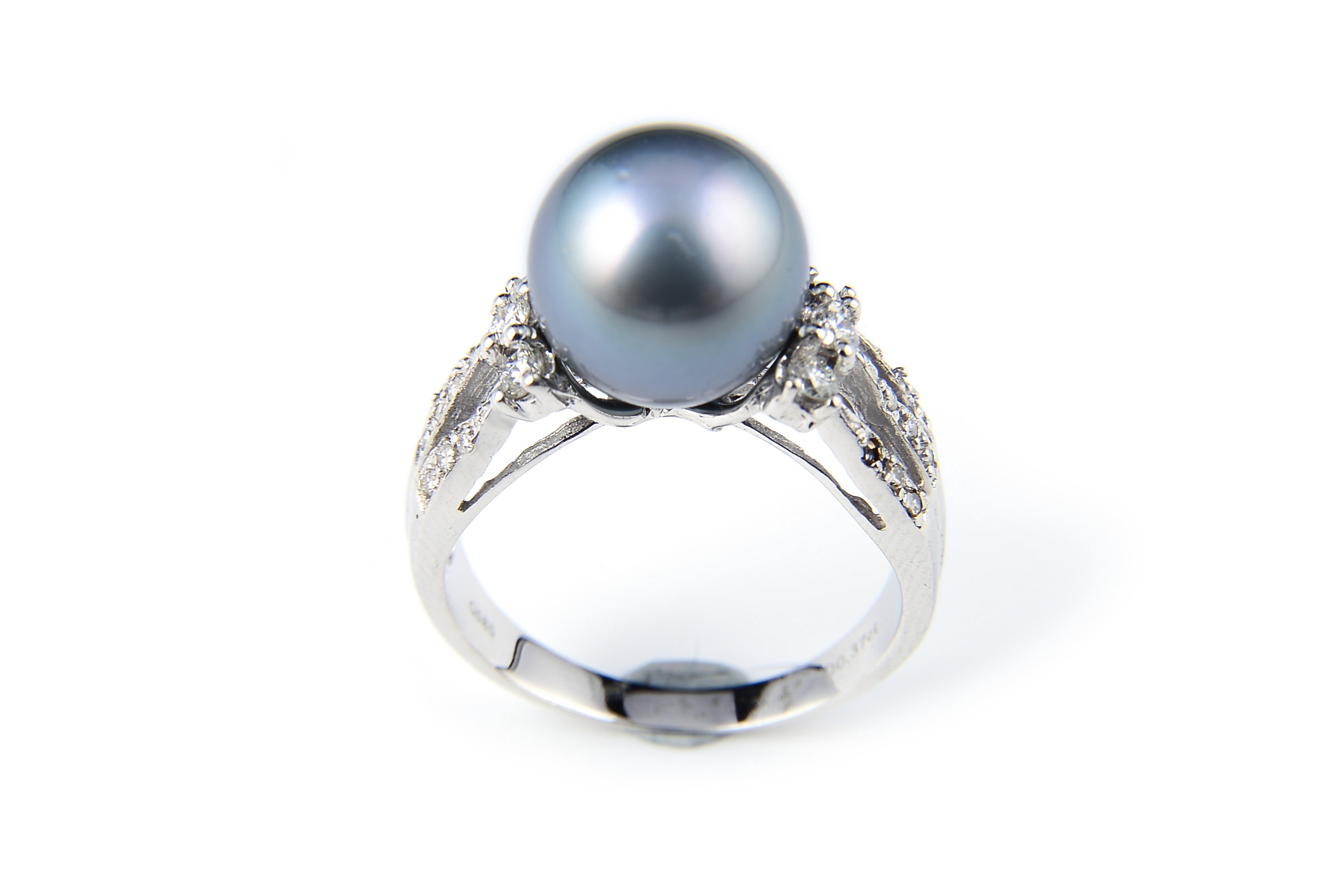 10.6mm AAA Black Tahitian Pearl Ring Accented With Diamonds -rg3