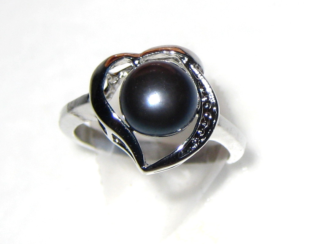 8.5mm AAA Black Freshwater Cultured Pearl Heart Ring - Various sizes -rg54