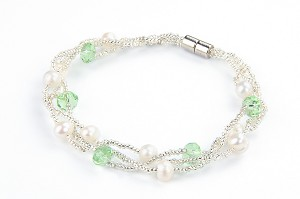 Three Strand Twisted White Pearl Green Crystal Bracelet -br40
