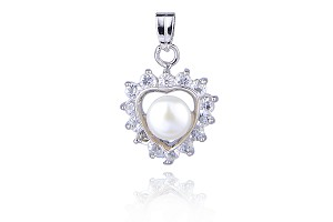 White Freshwater Pearl Crystal Heart Shaped Pendant Locket - pn71