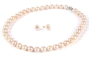 10-11 mm Lustrous  Lavender Freshwater Pearl Necklace Earrings Set -ne4